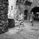 48 - Fuggi dall'ombra