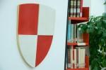 Lo stemma con i colori della città di Gaeta in biblioteca