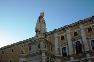 13-sardegna-2017-oristano-piazza-eleonora-dscn4615