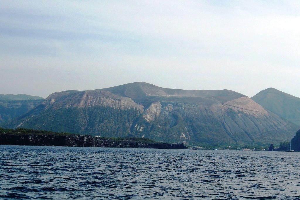 15-vulcano-isola