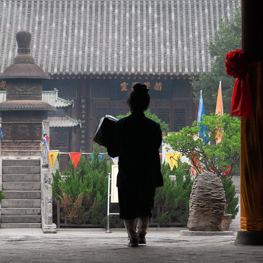 23-fuori-dal-tempio